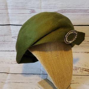 Jan Leslie  Hat